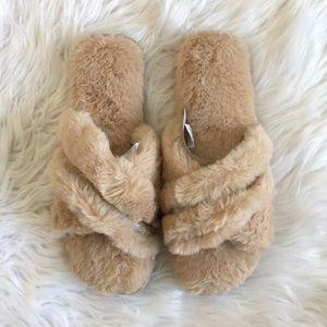 NWT INC Tan Faux Fur Slippers